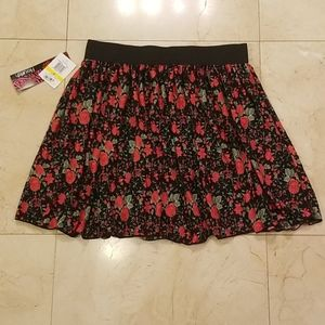 New with Tags Fairytale-Like A-Line Rose Skirt